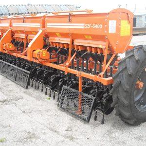 Сеялка зерновая СЗФ-5400 «Фаворит»